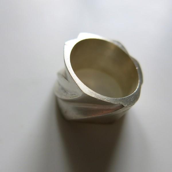"""""""anillo-4-modelado joya única"""""""