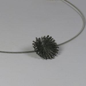 colgante Margallons.Gaudi. plata oxidada